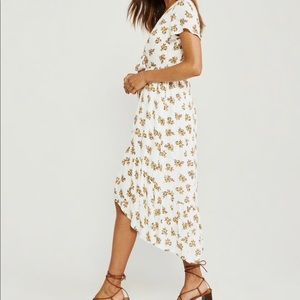 NWT Ruffle Hem Midi Dress
